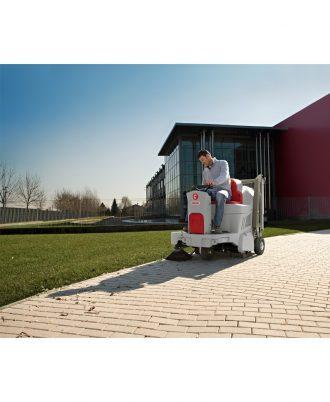 Varredora Industrial a Gasolina Comac CS800